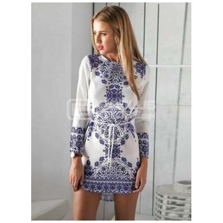 Vestido curto azul e branco com cinto tipo cordão